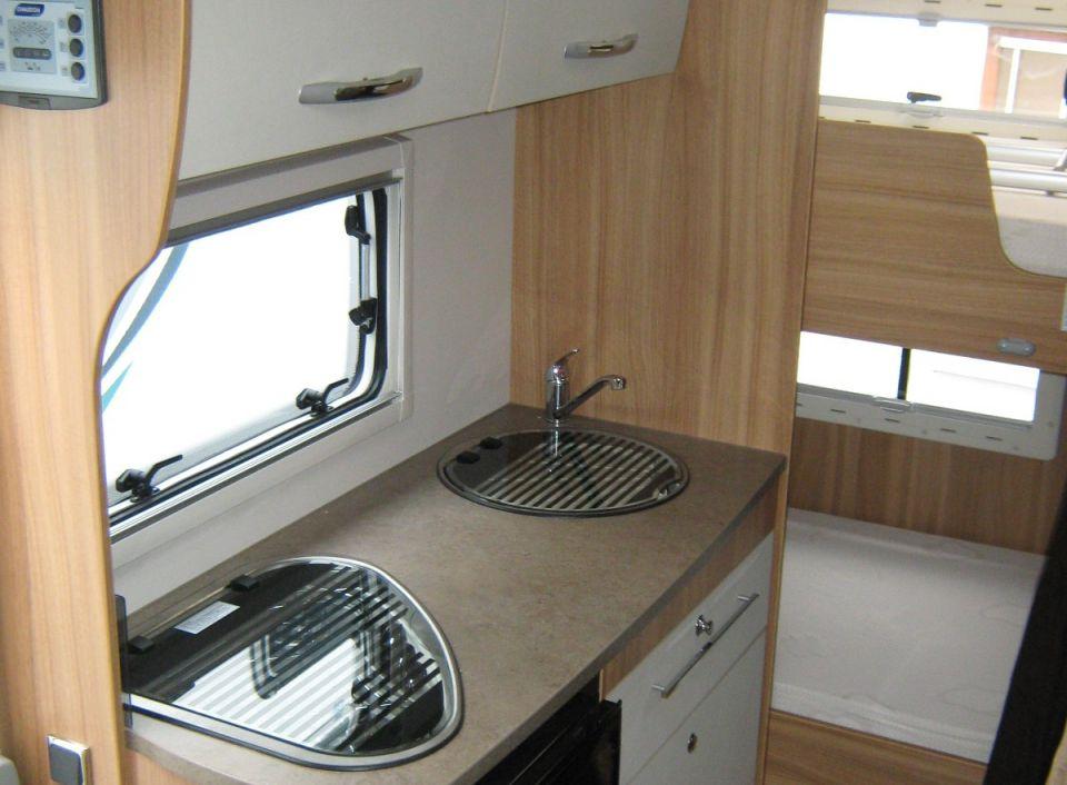 chausson flash s3 als alkoven in g nzburg bei. Black Bedroom Furniture Sets. Home Design Ideas