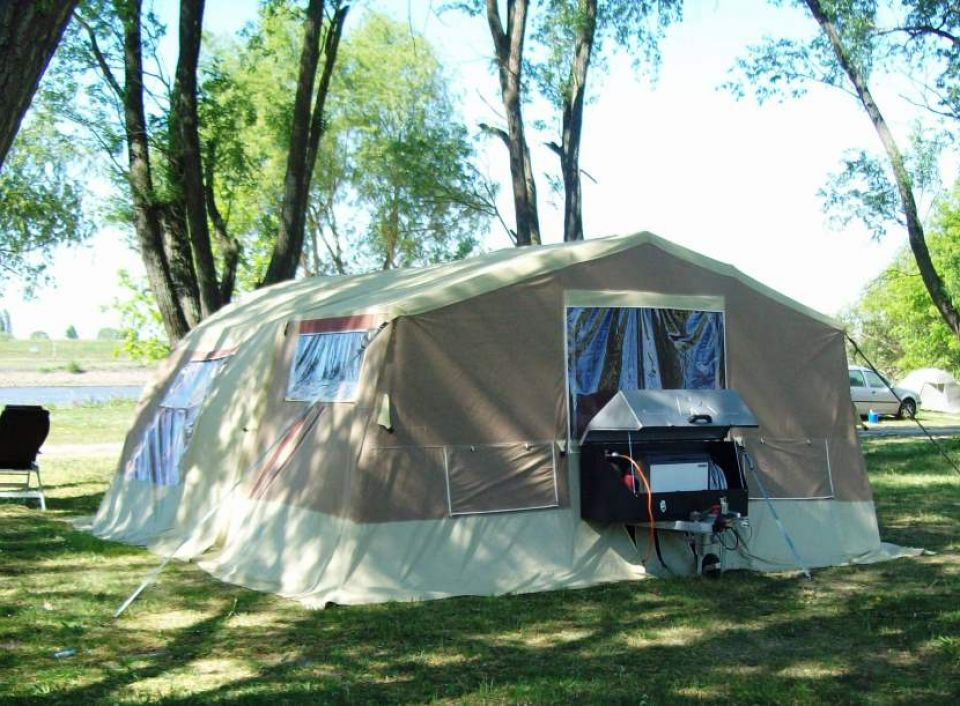 trigano sonstige safari als pickup camper bei. Black Bedroom Furniture Sets. Home Design Ideas