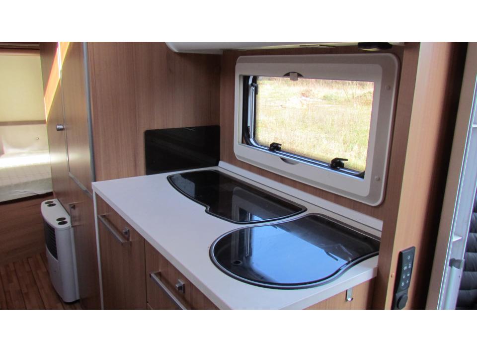 Wohnwagen Dusche Warmwasser : Knaus S?dwind 550 QS als Pickup-Camper bei caraworld.de