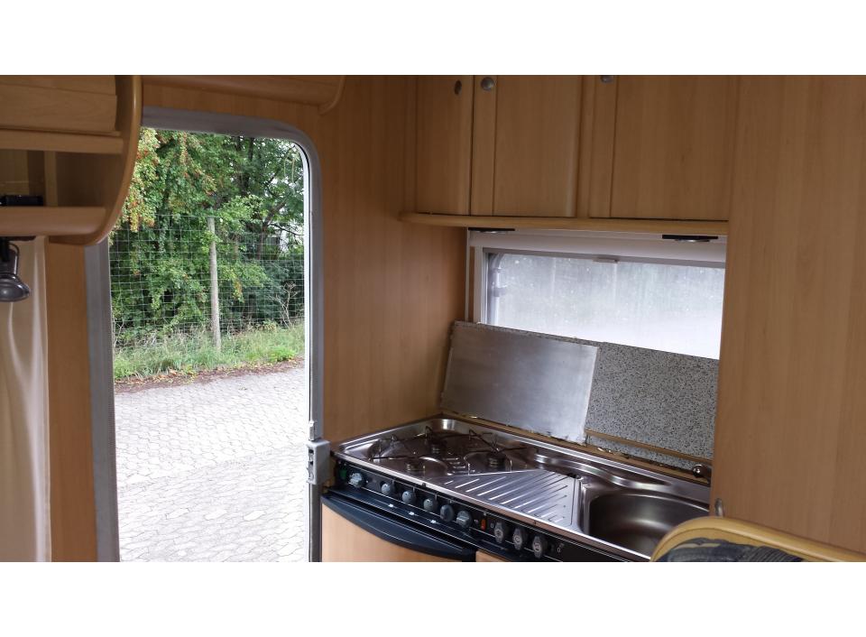 dethleffs globetrotter a 5250 als alkoven bei. Black Bedroom Furniture Sets. Home Design Ideas