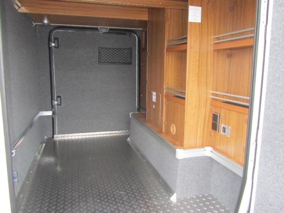 hymer ml i 580 als integrierter in fuldatal b kassel bei. Black Bedroom Furniture Sets. Home Design Ideas