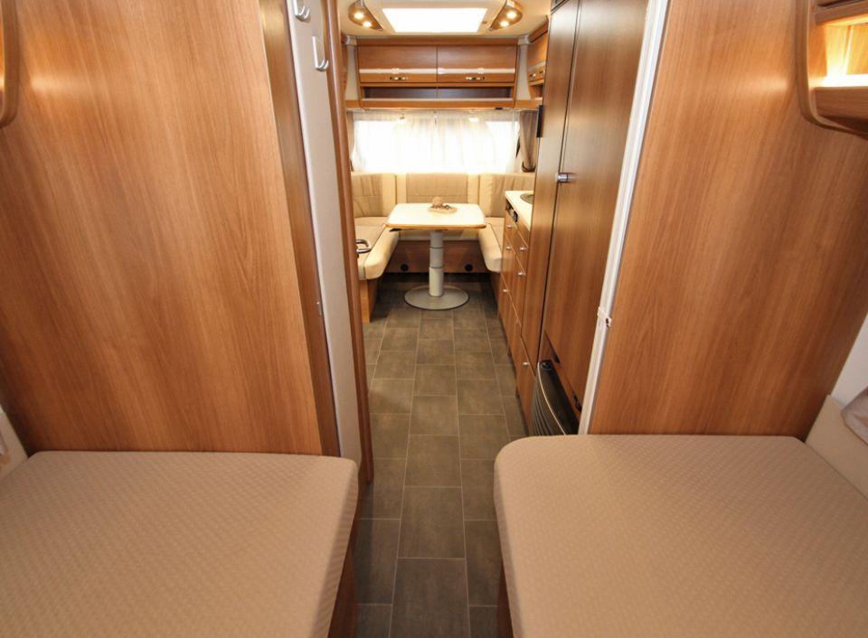 dethleffs nomad 510 er als pickup camper in engen bei. Black Bedroom Furniture Sets. Home Design Ideas