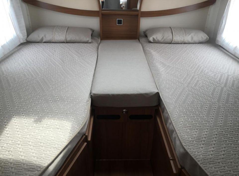 hymer b klasse dynamicline dl 588 als integrierter in lagesb ttel bei. Black Bedroom Furniture Sets. Home Design Ideas