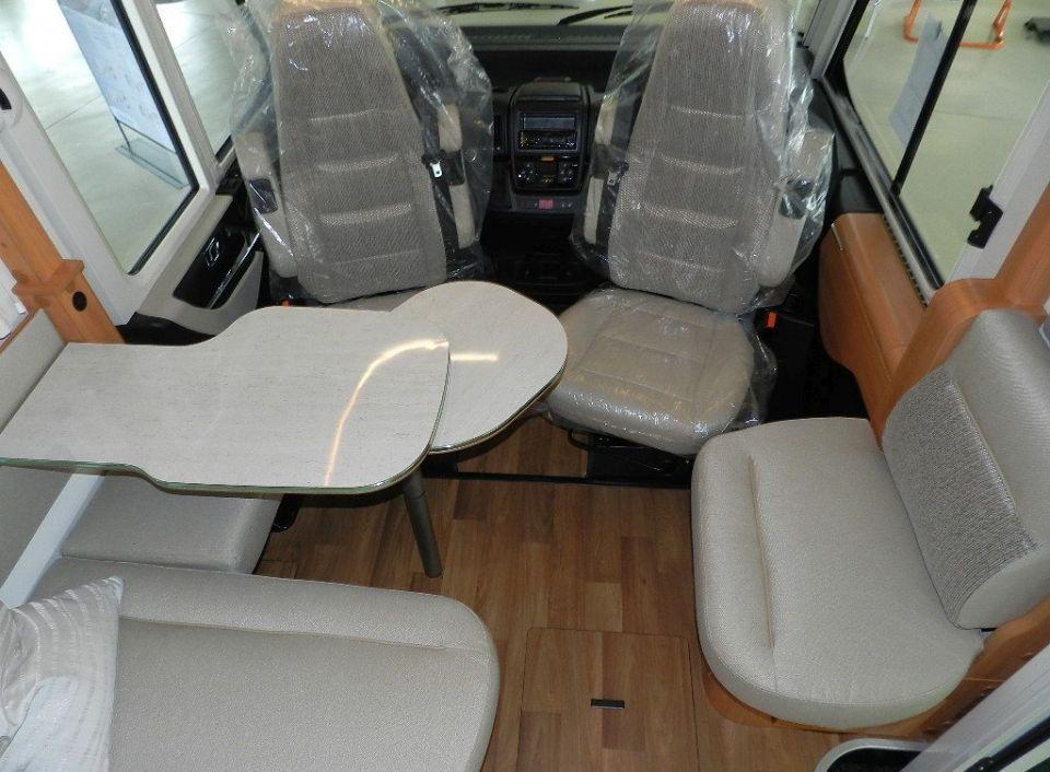 hymer b klasse dl 444 als pickup camper in affing m hlhausen bei. Black Bedroom Furniture Sets. Home Design Ideas