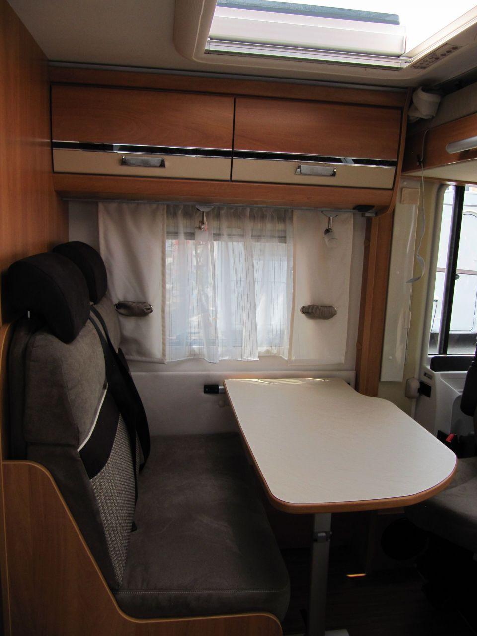 dethleffs globebus active i 11 als integrierter in m lheim an der ruhr bei. Black Bedroom Furniture Sets. Home Design Ideas
