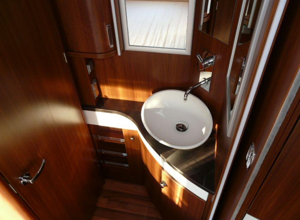 hymer eriba nova s 690 als pickup camper in l rrach bei. Black Bedroom Furniture Sets. Home Design Ideas