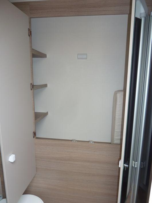 challenger genesis 170 als teilintegrierter in butzbach nd weisel bei. Black Bedroom Furniture Sets. Home Design Ideas