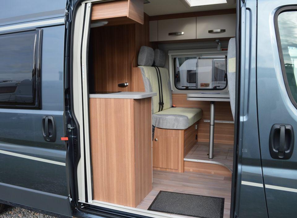 weinsberg carabus 601 mq als kastenwagen in schifferstadt. Black Bedroom Furniture Sets. Home Design Ideas