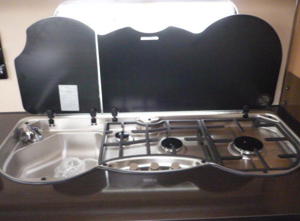 lmc wohnwagen mobile wohnwagen gebraucht kaufen bei. Black Bedroom Furniture Sets. Home Design Ideas