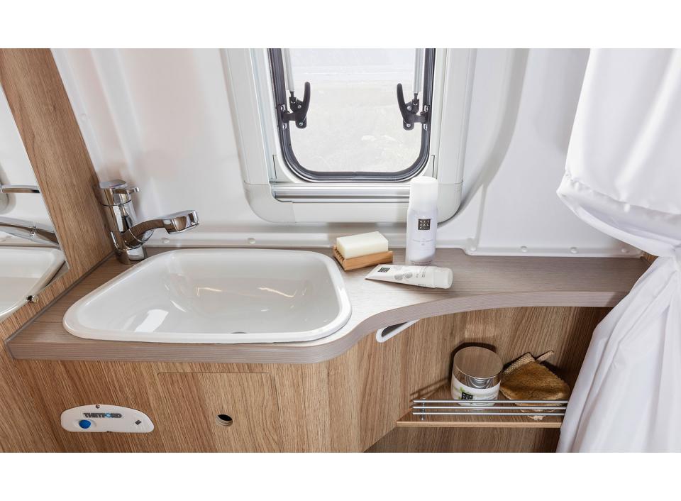 knaus boxstar 600 mq ic line als kastenwagen in. Black Bedroom Furniture Sets. Home Design Ideas