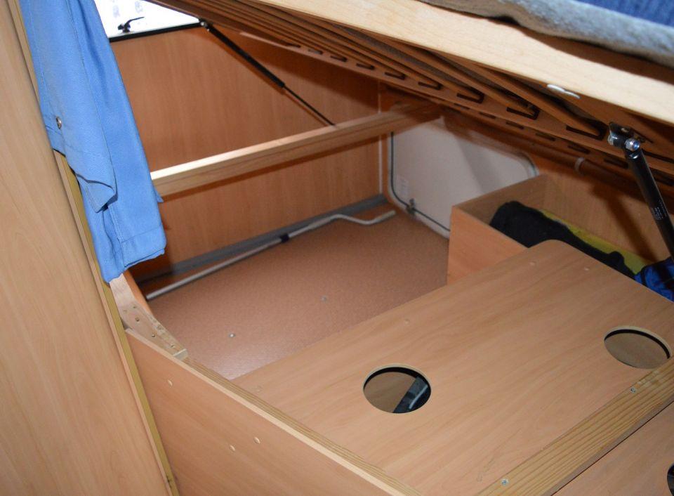 dethleffs advantage t 5841 als teilintegrierter in otterstadt bei. Black Bedroom Furniture Sets. Home Design Ideas