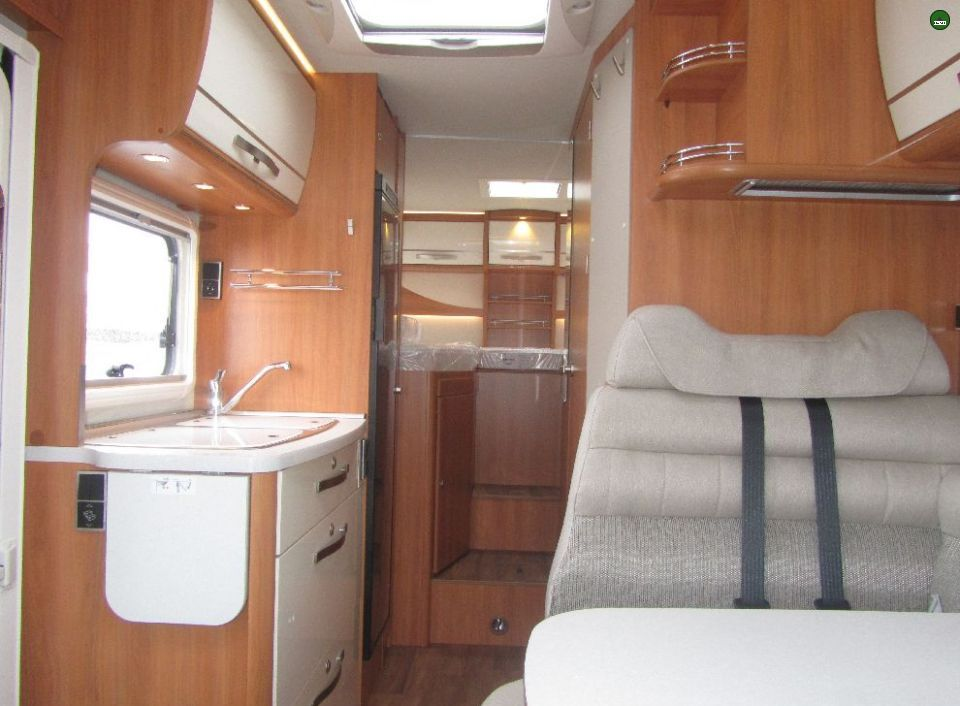 hymer ml t 580 als teilintegrierter in fuldatal b kassel bei. Black Bedroom Furniture Sets. Home Design Ideas