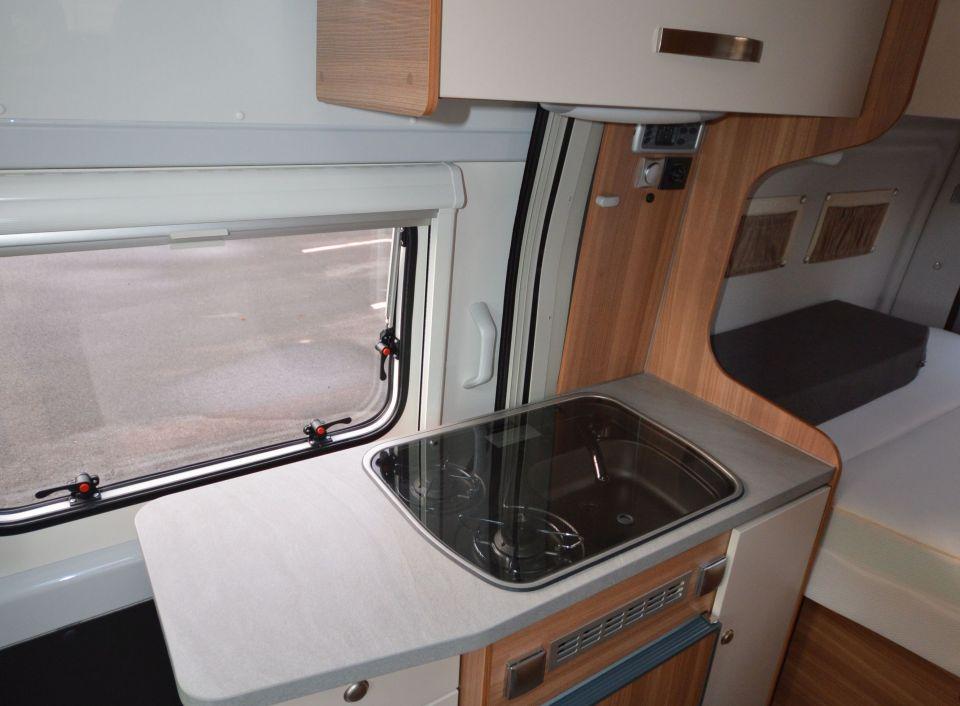weinsberg carabus 541 mq ic line als kastenwagen in. Black Bedroom Furniture Sets. Home Design Ideas