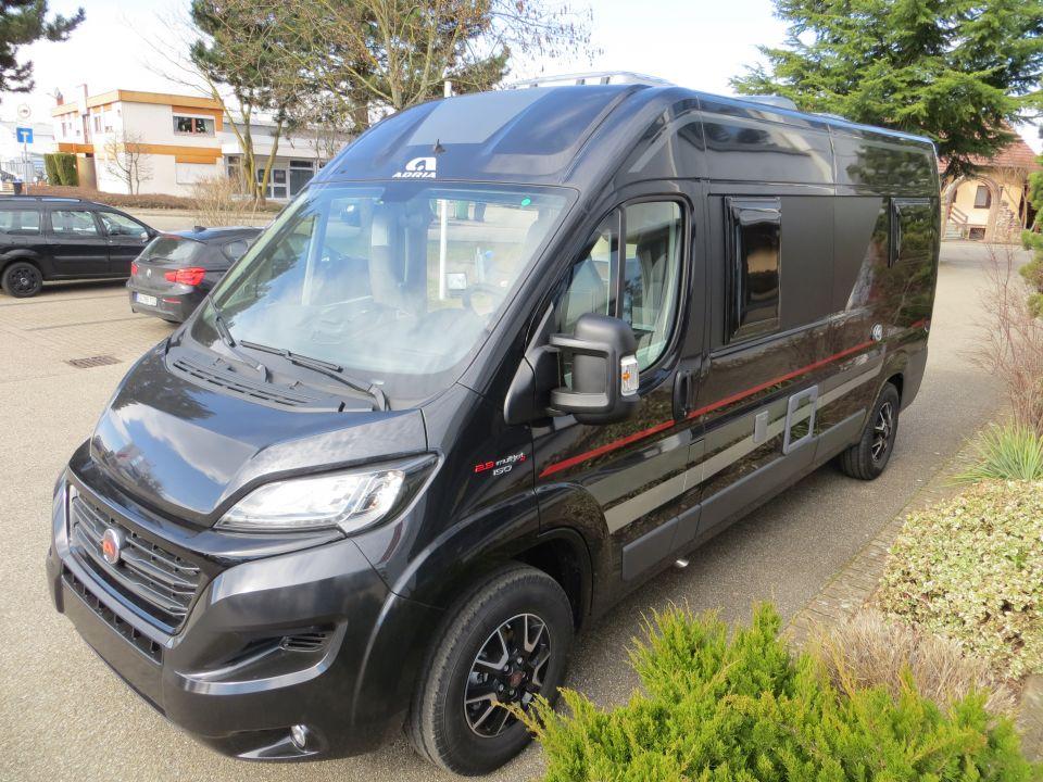 adria twin 600 slt als kastenwagen in offenburg bei. Black Bedroom Furniture Sets. Home Design Ideas