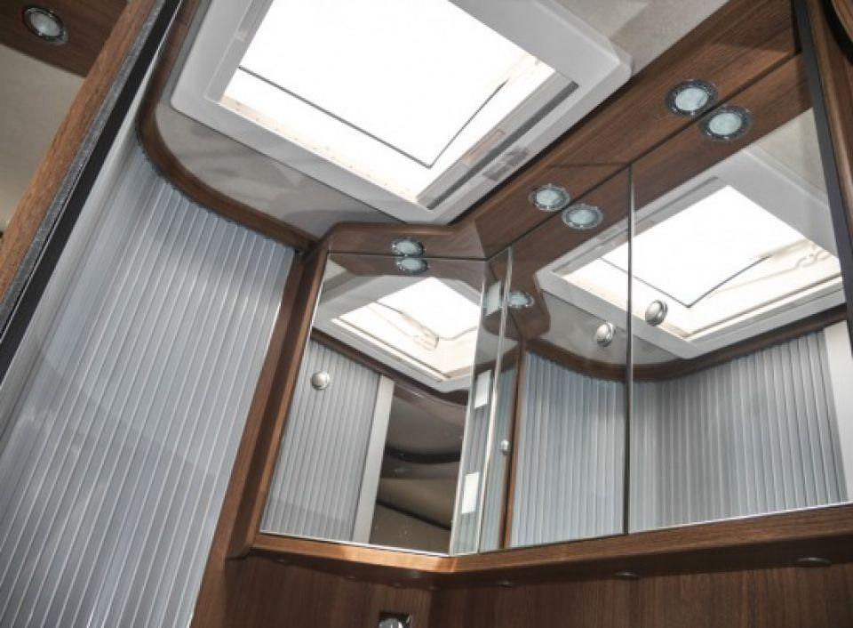 carthago c tourer i 144 le als integrierter in pulheim brauweiler bei. Black Bedroom Furniture Sets. Home Design Ideas