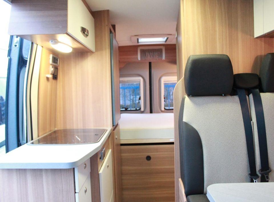 weinsberg carabus 601 mq als kastenwagen in durmersheim. Black Bedroom Furniture Sets. Home Design Ideas