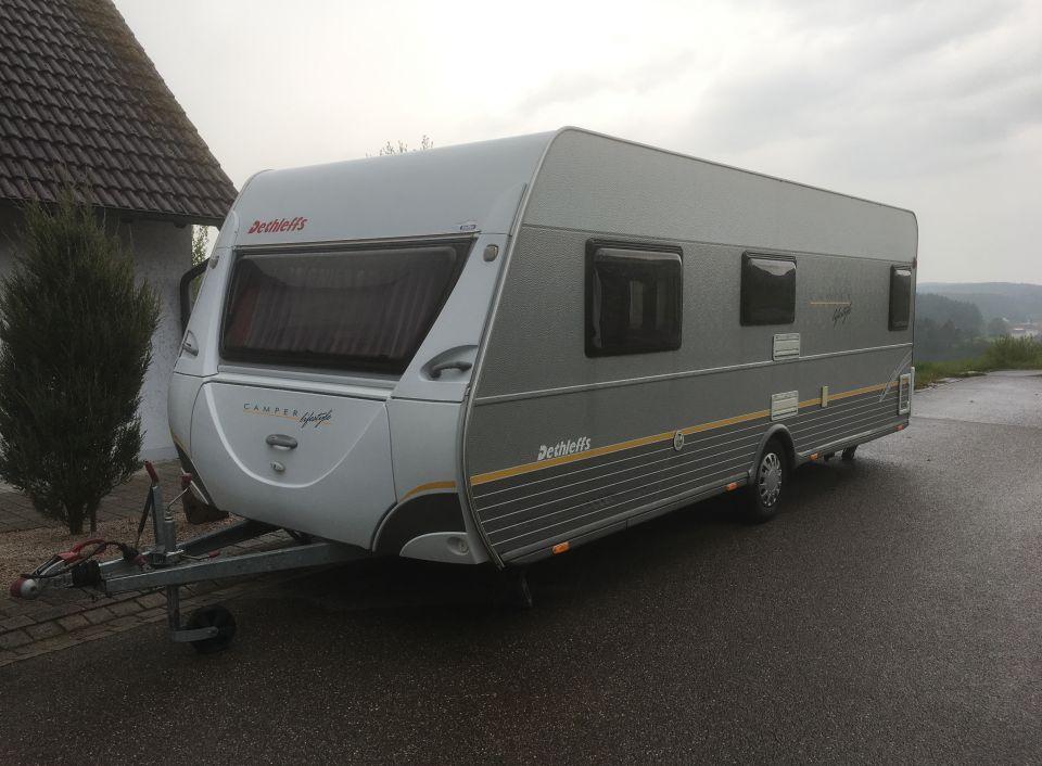 dethleffs camper lifestyle 590 s als pickup camper bei. Black Bedroom Furniture Sets. Home Design Ideas