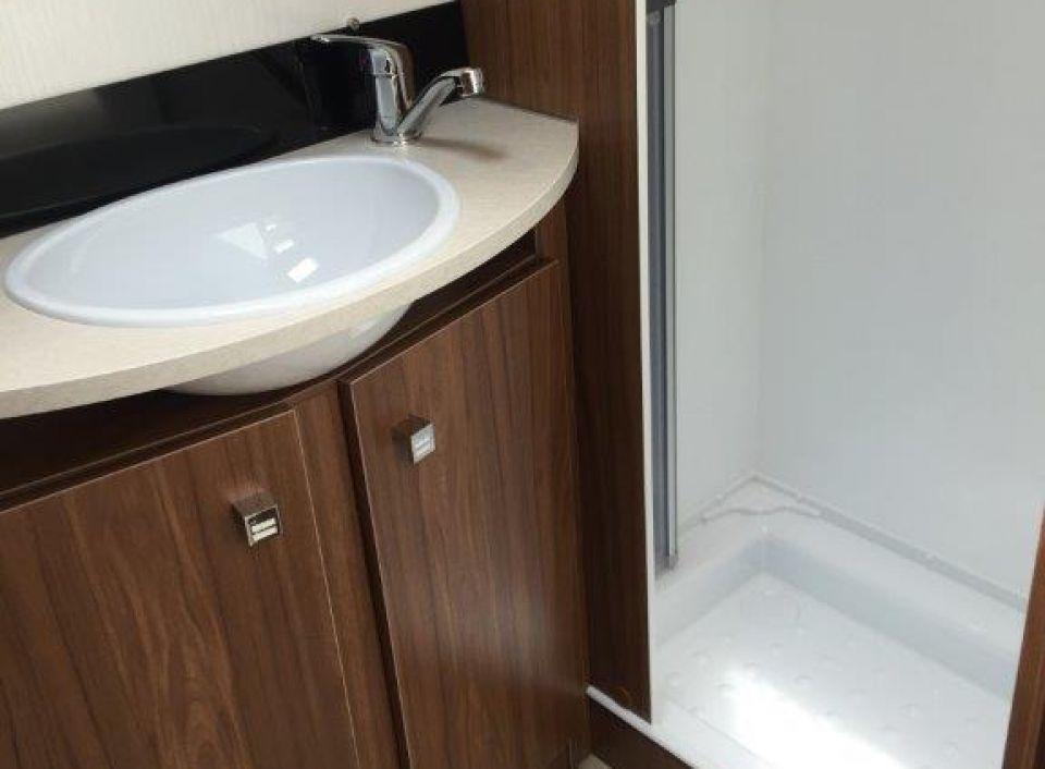 pilote galaxy 650 l als integrierter in mertesheim bei. Black Bedroom Furniture Sets. Home Design Ideas