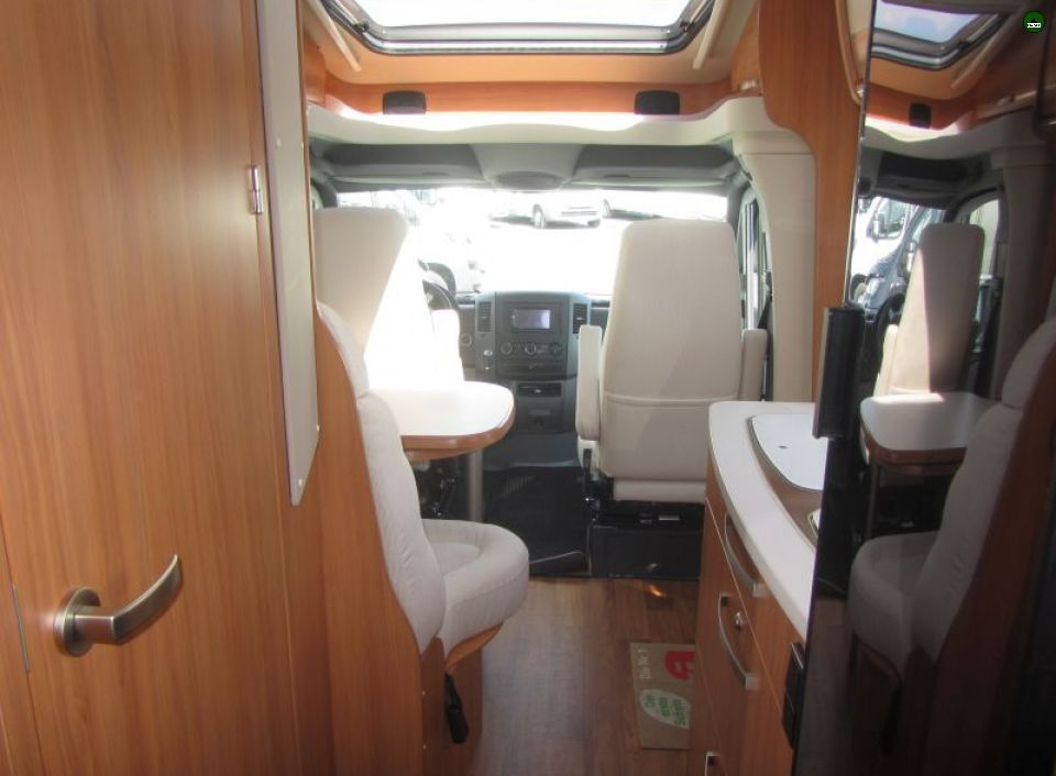 hymer ml t 580 als teilintegrierter in fuldatal b kassel. Black Bedroom Furniture Sets. Home Design Ideas