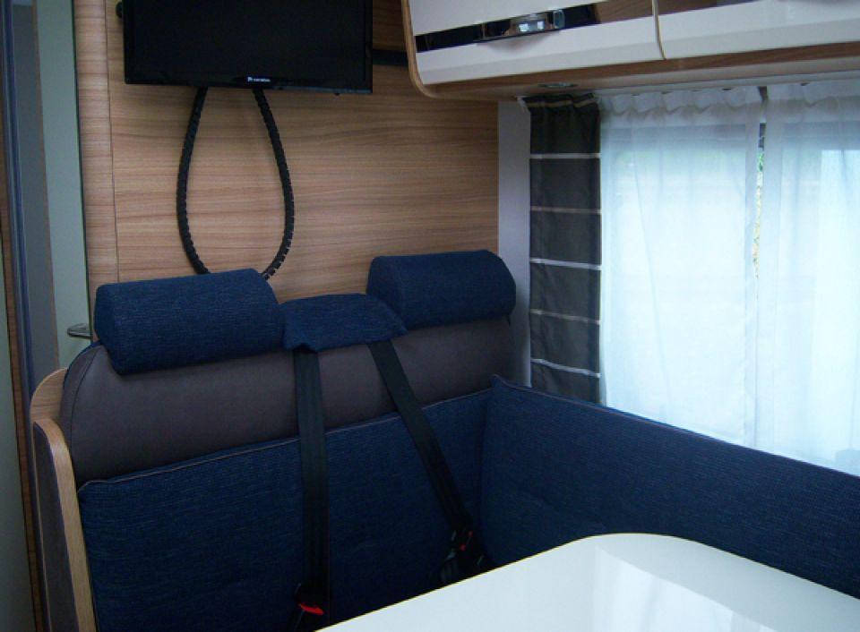 Dethleffs Globebus T 6 Als Teilintegrierter In Naumburg