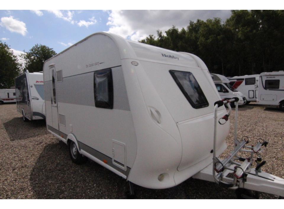 hobby de luxe easy 400 sfe als pickup camper in kayhude. Black Bedroom Furniture Sets. Home Design Ideas