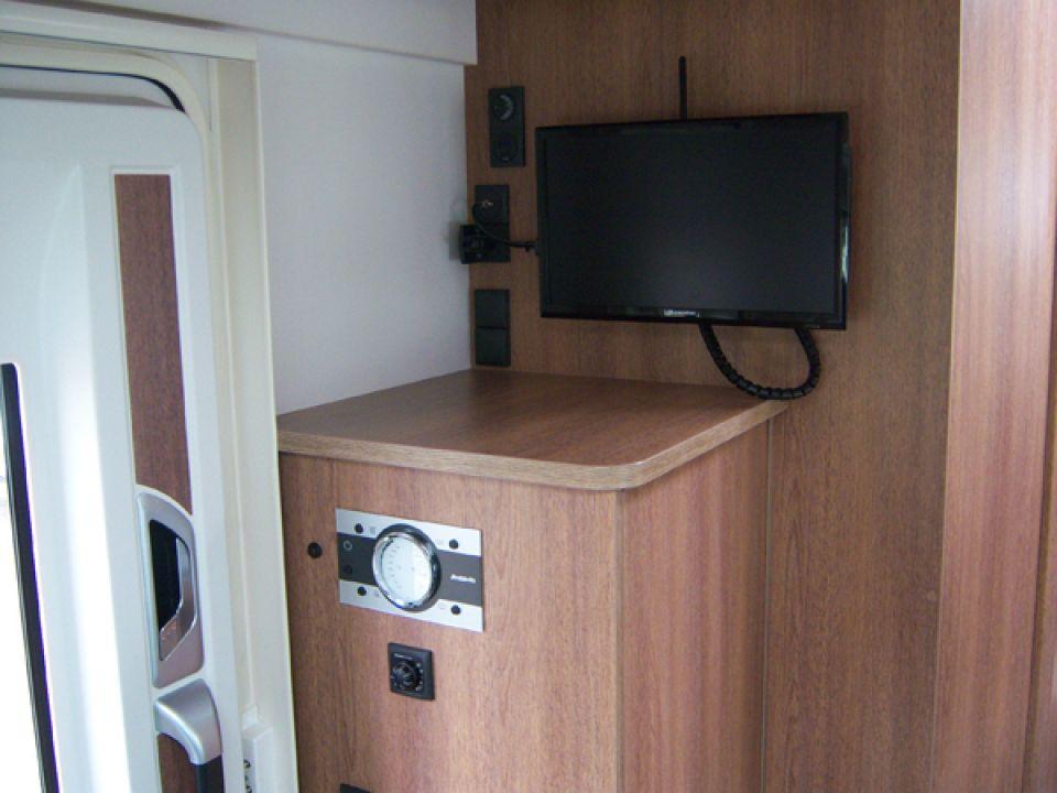 dethleffs trend t 6717 als teilintegrierter in naumburg bei. Black Bedroom Furniture Sets. Home Design Ideas