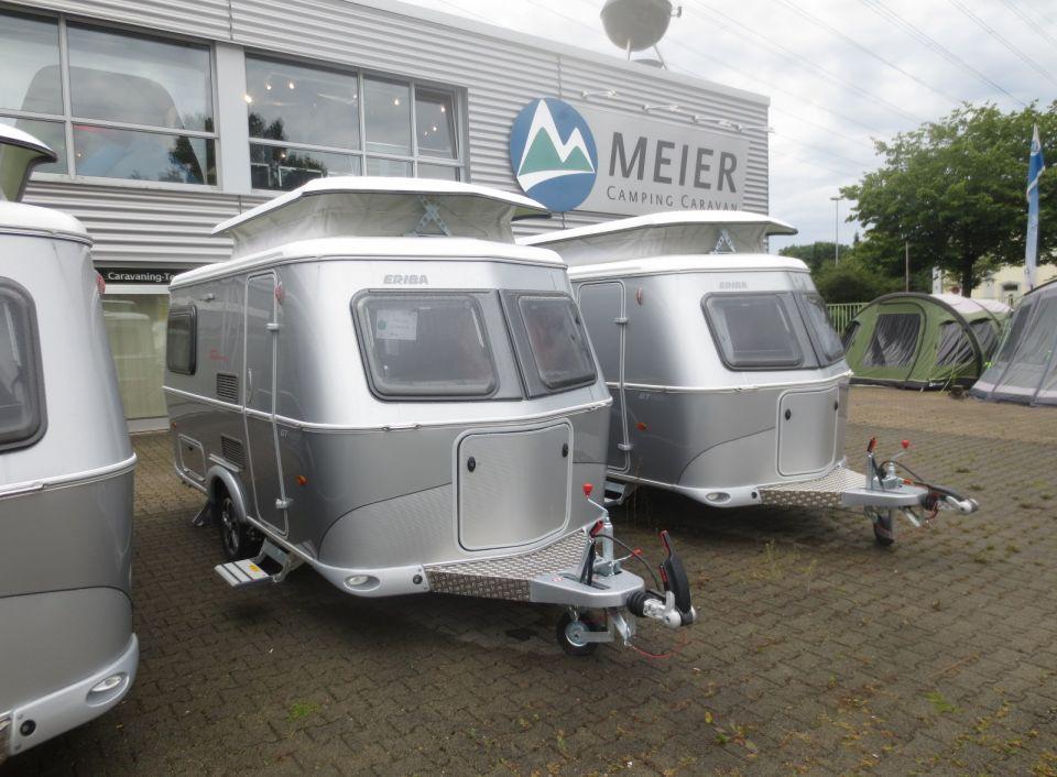 hymer eriba touring triton 420 gt als pickup camper in. Black Bedroom Furniture Sets. Home Design Ideas