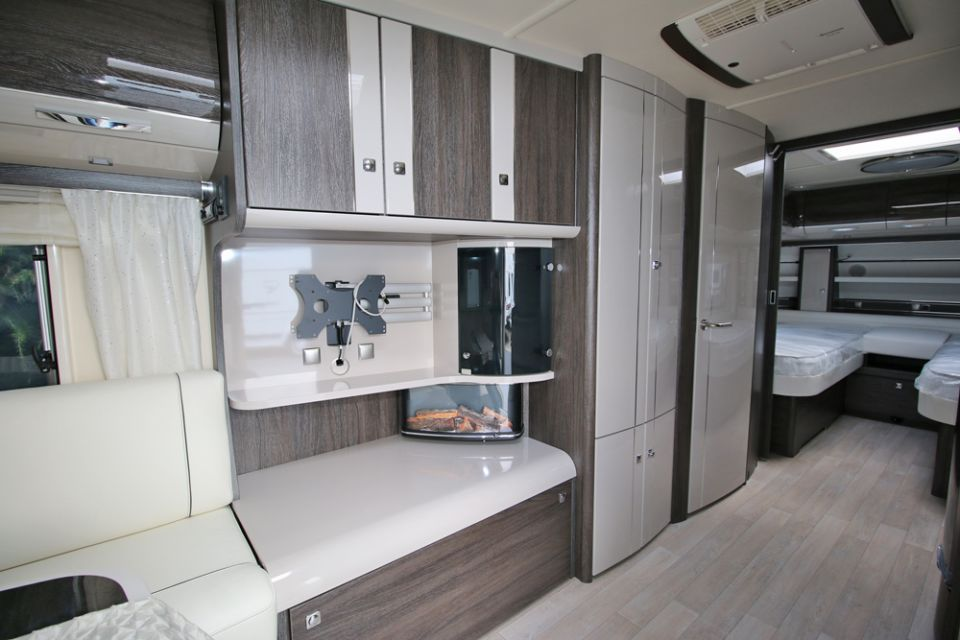 fendt brillant 700 sga als pickup camper in belm osnabr ck. Black Bedroom Furniture Sets. Home Design Ideas