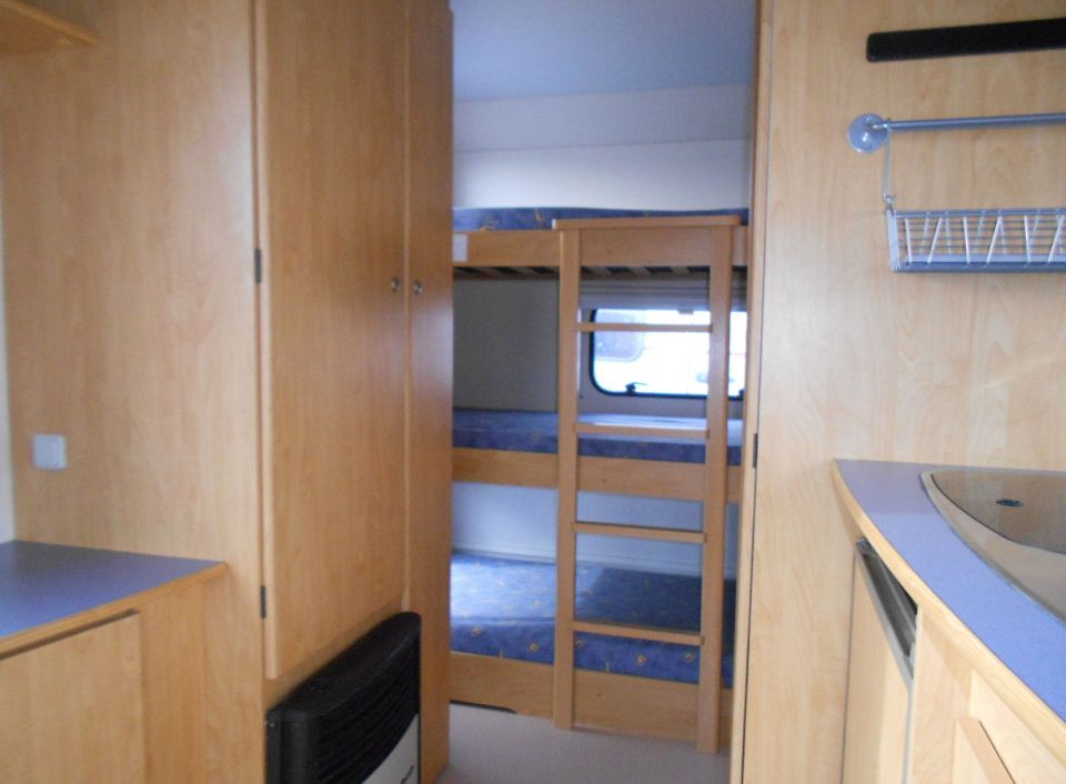 caravelair antares 446 als pickup camper in adendorf bei. Black Bedroom Furniture Sets. Home Design Ideas