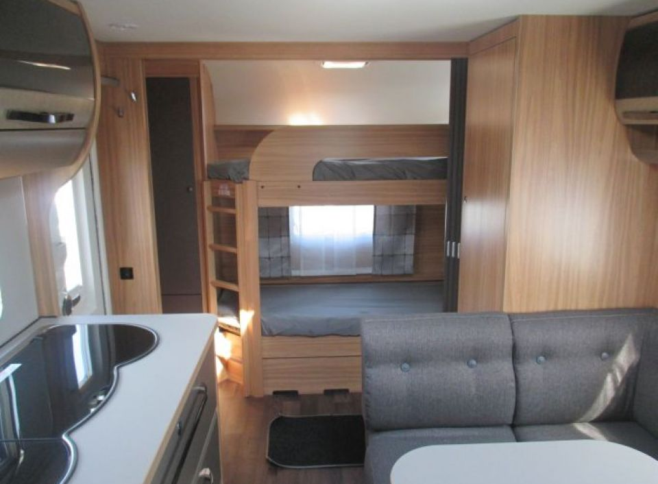 hymer eriba exciting 560 60 edition als pickup camper in fuldatal b kassel bei. Black Bedroom Furniture Sets. Home Design Ideas