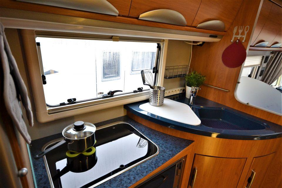hymer s klasse 820 als integrierter in rheine bei. Black Bedroom Furniture Sets. Home Design Ideas