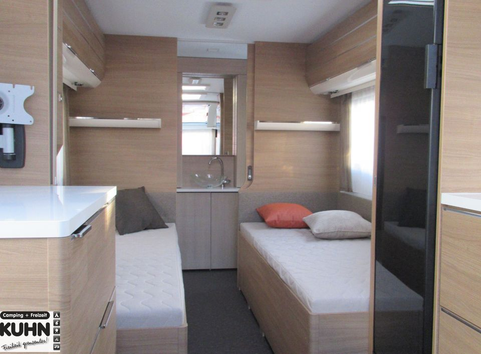 adria adora 572 ut als pickup camper in offenburg bei. Black Bedroom Furniture Sets. Home Design Ideas