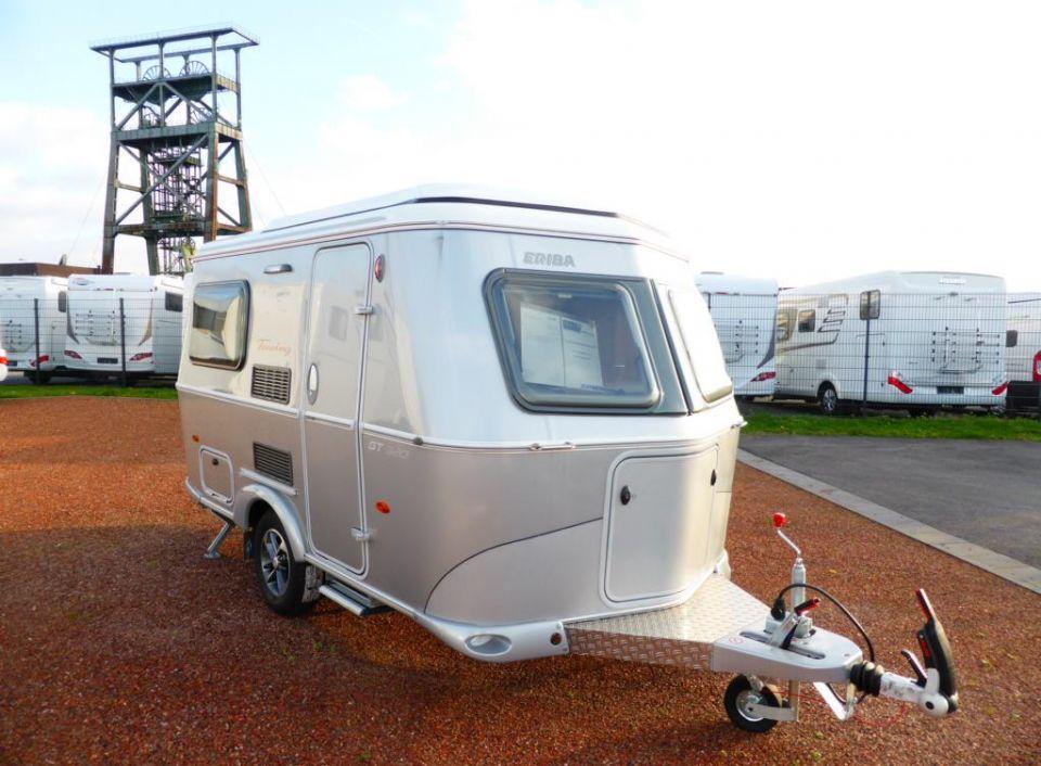 hymer eriba touring familia 320 als pickup camper in. Black Bedroom Furniture Sets. Home Design Ideas