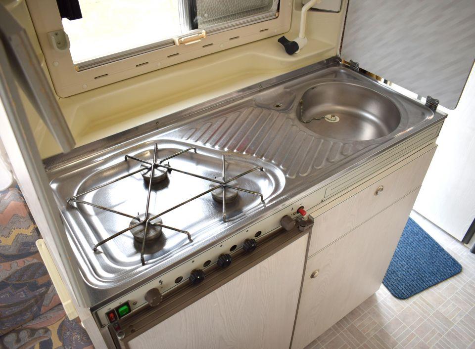 chateau chiara 400 als pickup camper in itzehoe bei. Black Bedroom Furniture Sets. Home Design Ideas