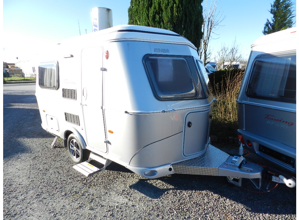 hymer eriba touring familia 320 gt als pickup camper in. Black Bedroom Furniture Sets. Home Design Ideas