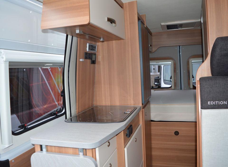 weinsberg carabus 601 mq edition fire als kastenwagen in. Black Bedroom Furniture Sets. Home Design Ideas