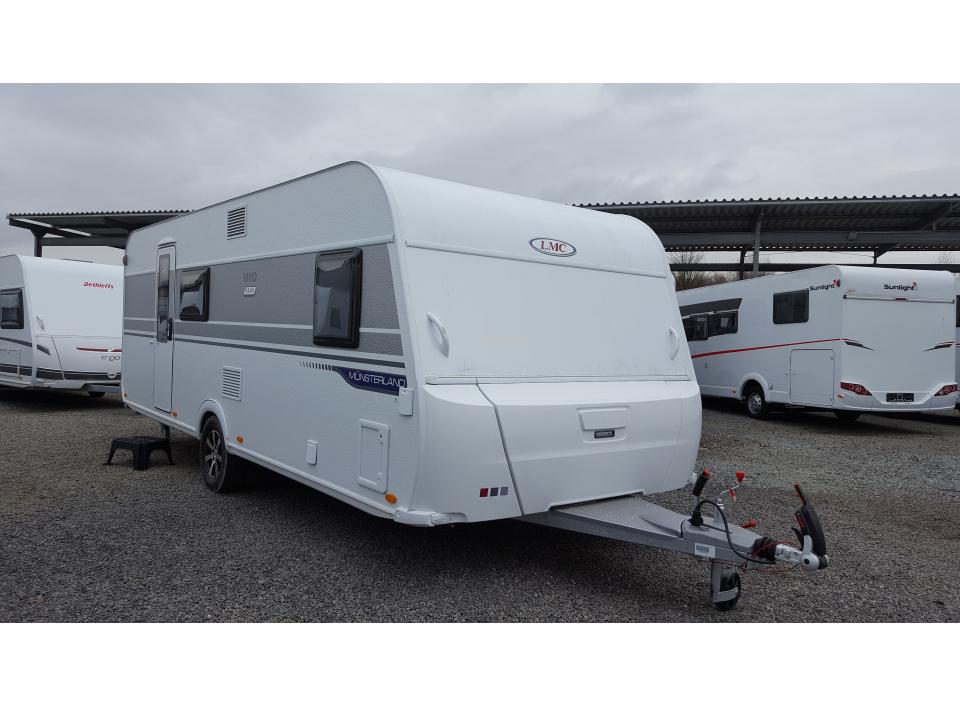 Wohnwagen Mit Etagenbett Längs : Lmc vivo 522 k als pickup camper in bremen bei caraworld.de