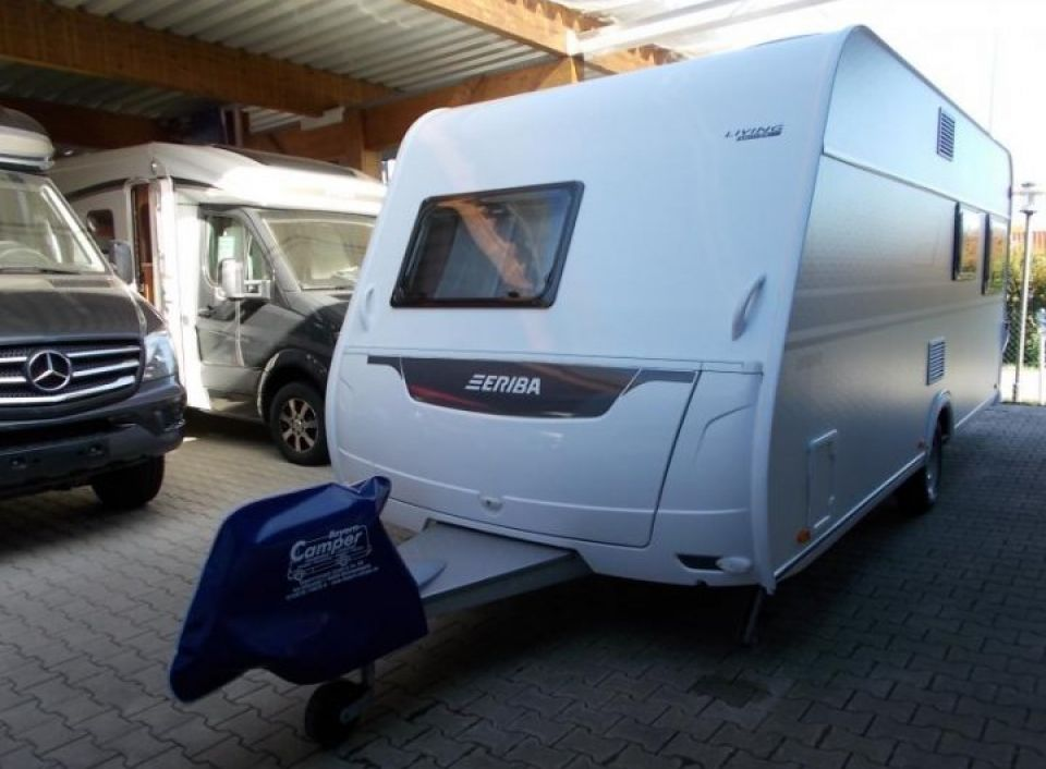 hymer eriba living 485 als pickup camper in wurmannsquick. Black Bedroom Furniture Sets. Home Design Ideas