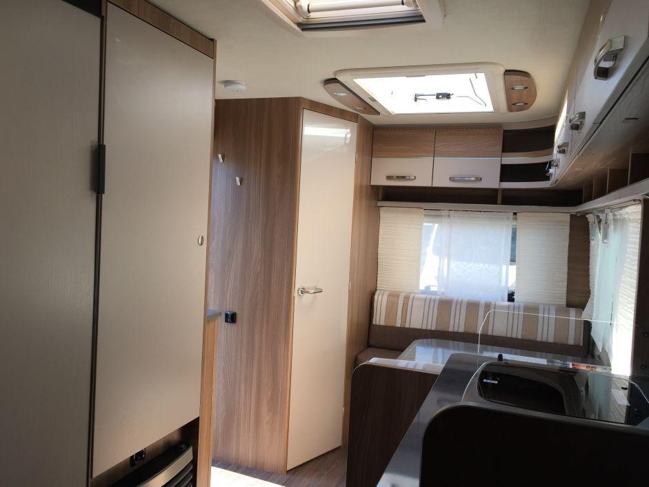 Bürstner Premio 395 TS Extra großes Dachfenster! - Bild 7