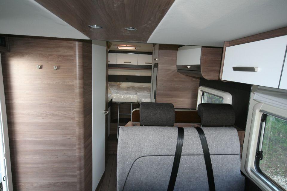 Knaus L!VE WAVE 700 MEG Rahmenfenster, Traction + - Bild 8