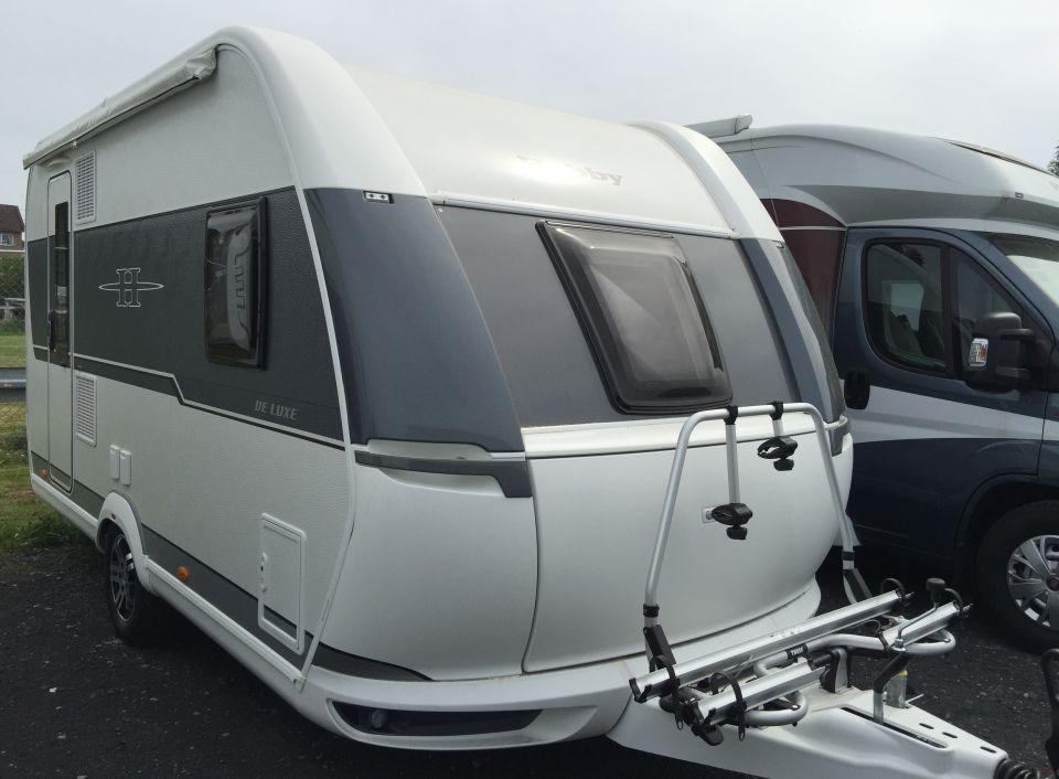 hobby de luxe 400 sfe als pickup camper in fuldatal b. Black Bedroom Furniture Sets. Home Design Ideas