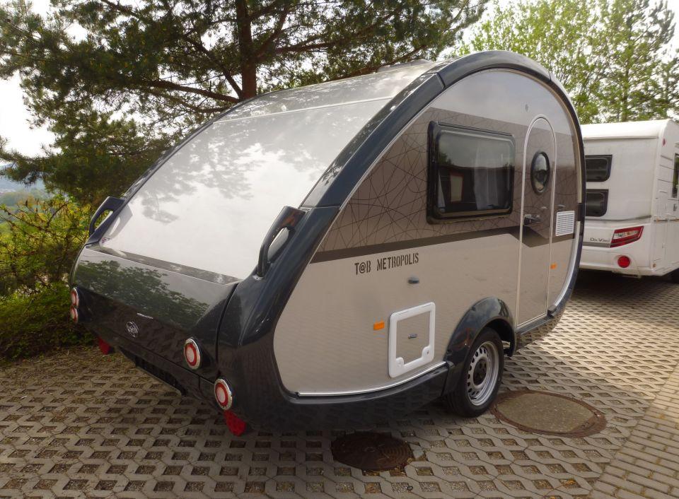 Kühlschrank Wohnwagen : T@b 320 metropolis als pickup camper in ilmenau bei caraworld.de