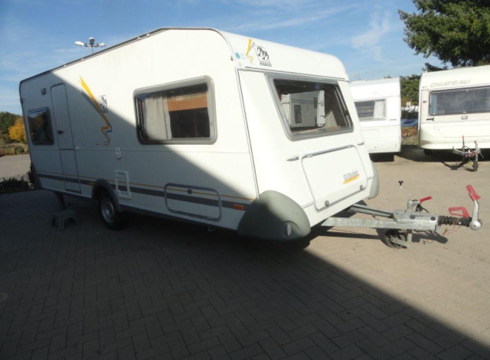 Wohnwagen Mit Zwei Etagenbetten : Knaus südwind 550 tk als pickup camper in blomberg bei caraworld.de