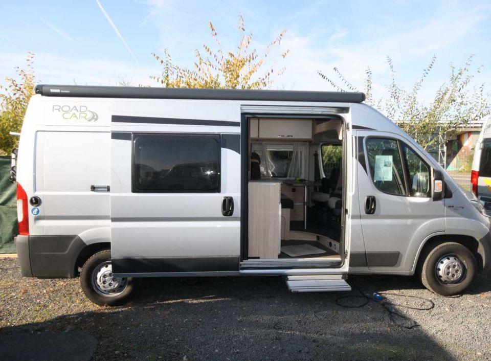 roadcar r 600 als kastenwagen in wiesbaden bei. Black Bedroom Furniture Sets. Home Design Ideas