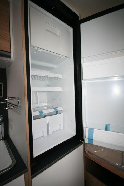 Sunlight Camper Van Cliff 640 Markise, Rahmenfenster - Bild 13