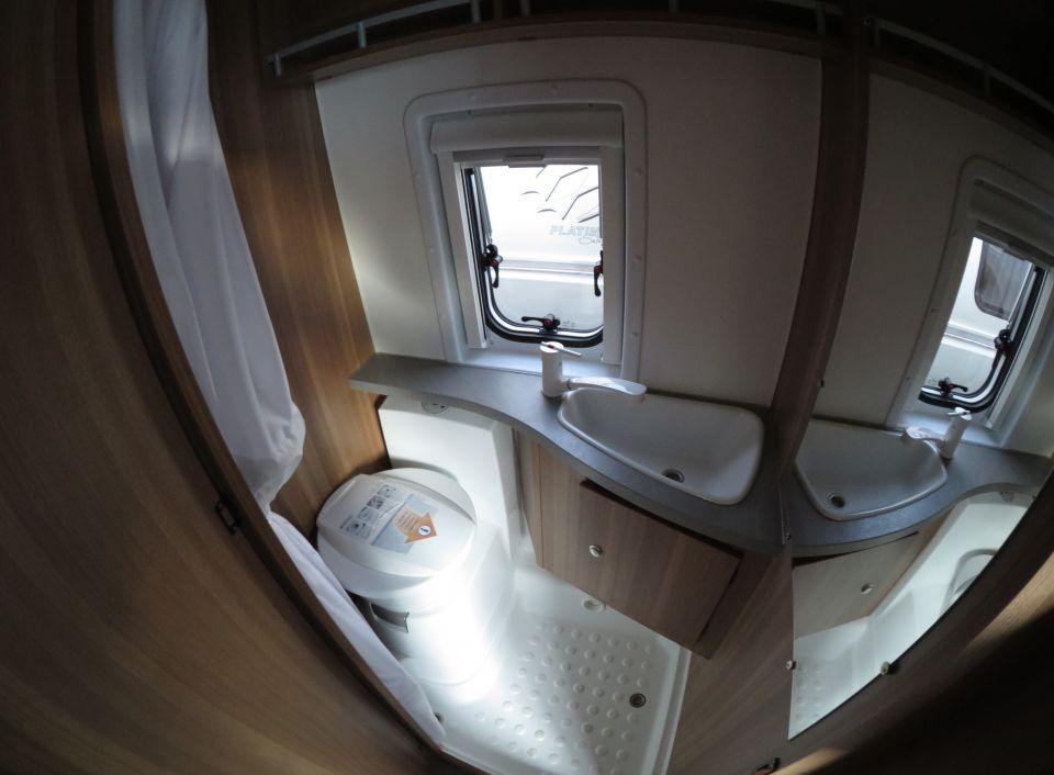 weinsberg carabus 601 mq als kastenwagen in kirchheim. Black Bedroom Furniture Sets. Home Design Ideas