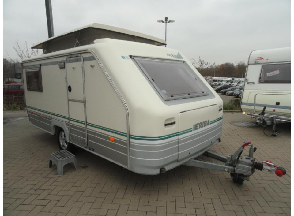 Hymer Eriba Eribelle 430 HK als Pickup-Camper in Blomberg