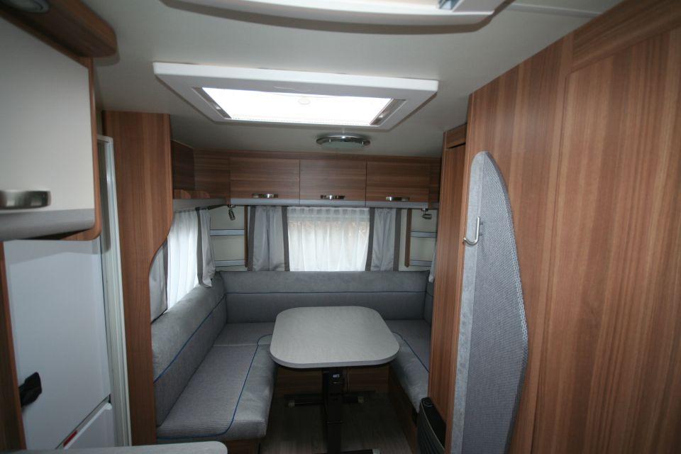 Weinsberg CaraOne 500 XU mit edlem Queensbett und mehr - Bild 5