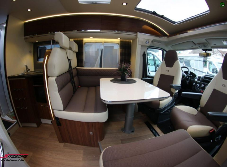 adria coral 670 sl platinum als teilintegrierter in. Black Bedroom Furniture Sets. Home Design Ideas