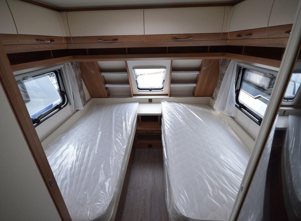 hobby de luxe 495 ul als pickup camper in bissendorf bei. Black Bedroom Furniture Sets. Home Design Ideas